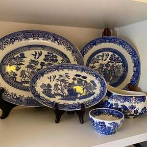 Lot # 251 - Wood & Sons Blue Willow pieces