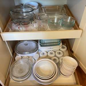 Lot # 258 - Pyrex, corning and other drawer contents