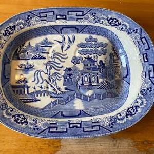 Lot # 266 - Staffordshire Blue Willow cutting board with drain