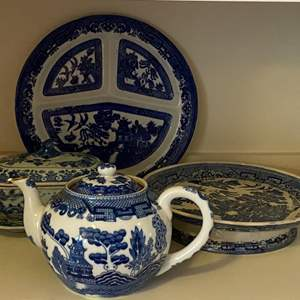 Lot # - 269 - Blue Willow Covered dish, split plate, footed tray and tea pot