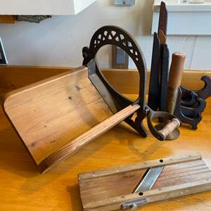 Lot # 270 - Wooden mandolin, slicer and more