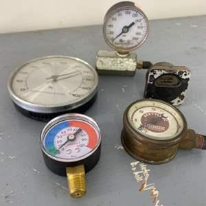 Lot # 281 - Vintage gauges