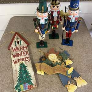 Lot # 291 - Nutcracker style soldiers & holiday signs