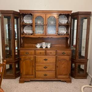 Lot # 11 - Hutch (contents not included)