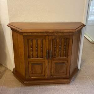 Lot # 27 - Vintage Wood Cabinet