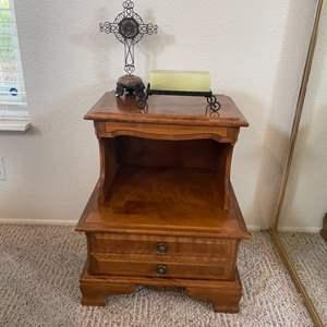 "Lot # 34 - Vintage ""Meredith"" Distinctive Furniture Night Stand"