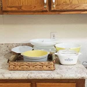 Lot # 37 - Vintage Pyrex and Corningware Kitchenware