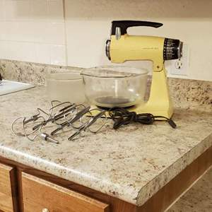 Lot # 38 - Vintage Sunbeam Mixer with Original Fire King Mixing Bowls