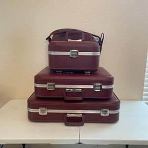 Lot # 46 - Vintage Suite Cases