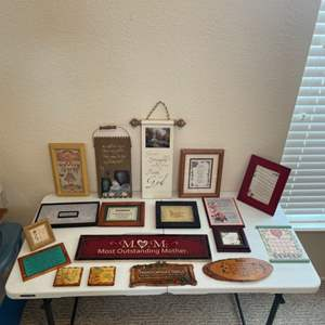 Lot # 59 - Home Decor Pictures