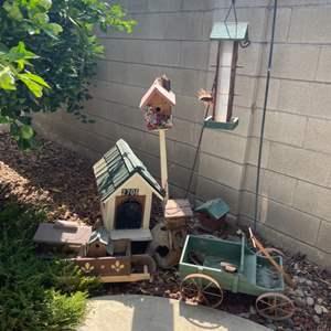 Lot # 78 - Bird House/ Bird Feeder/ Wood Mailbox & Yard Decor