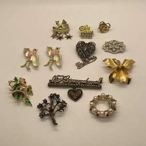 Lot # 84 - Assorted Broches