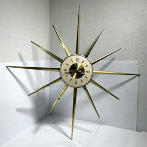 Lot # 21 - Vintage Robert Shaw Mid Century Mod Starburst Wall Clock