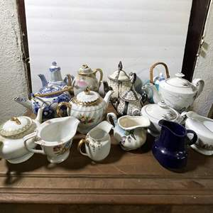 Lot # 25 - Classic Porcelain Teapots and Creamers Collection