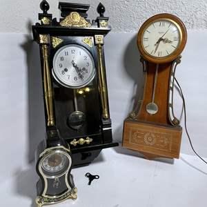 Lot # 28 - Clocks (Polaris, United)