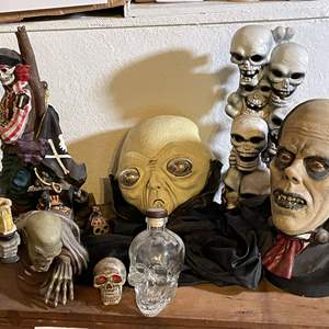 Lot # 86 - Halloween Decor and Props