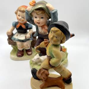 Lot # 107 - Vintage Porcelain Figures