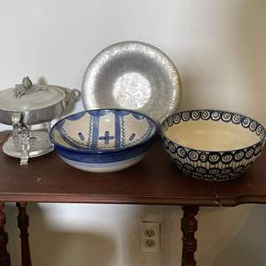 Lot # 164 - Vintage Mixing bowl and Serving Dishes