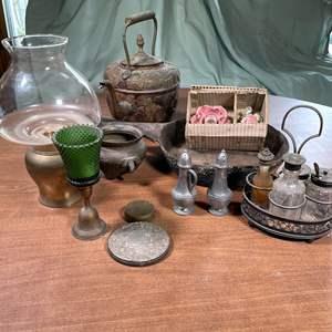 Lot # 176 - Vintage Kitchen and Décor Items