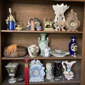 Lot # 179 - Vintage Home Décor Items
