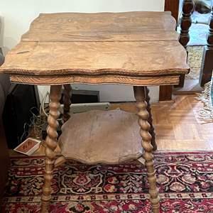 Lot # 186 - Vintage Wood Side/End Table