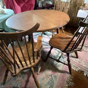 Lot # 233- Wood Table With 6 Chairs and 2 Leaves