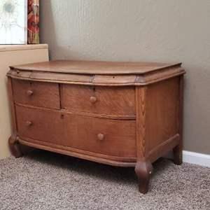 Lot # 16 - Vintage Night Stand Dresser