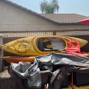 Lot # 35 - Yellow Pelican Single Man Kayak With Paddles and Life Vest