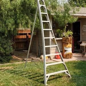 Lot # 60 - Aluminum Ladder