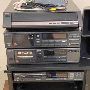 Lot # 42 - Sony stereo system