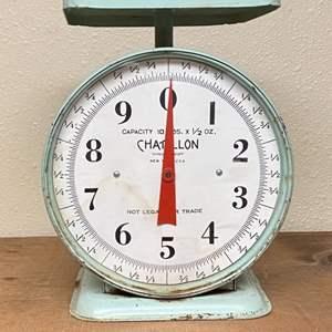 Lot # 120 - Vintage scale