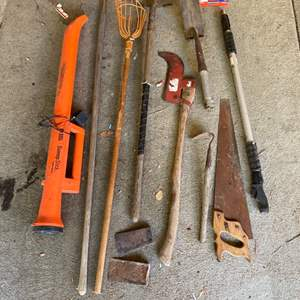 Lot # 128 - Tools