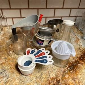 Lot # 24 - Baking & measuring goods