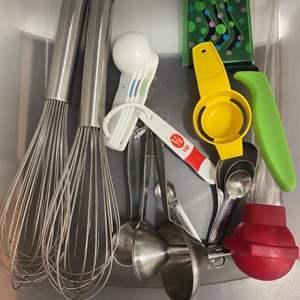 Lot # 37 - Baking utensils