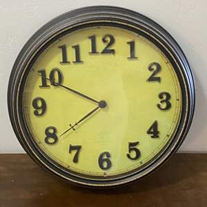 Lot # 52 - Wall clock