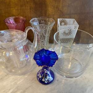 Lot # 88 - Vases and pitchers