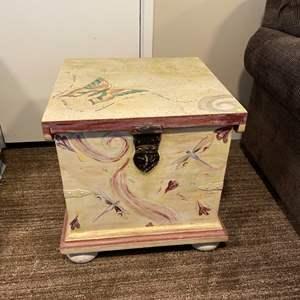 Lot # 118 - Storage chest