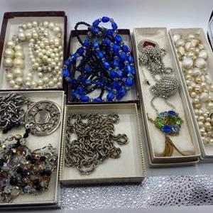 Lot # 125 - Vintage costume jewelry