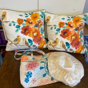 Lot # 149 - Springtime pillows, table runner, bag and hat