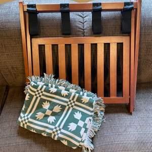 Lot # 151 - Folding luggage rack with blanket
