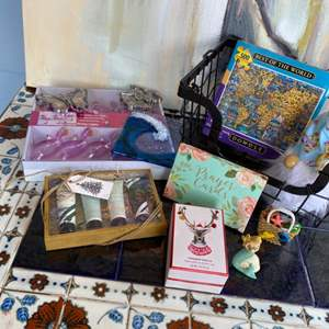 Lot # 180 - Decore and miscellaneous goods