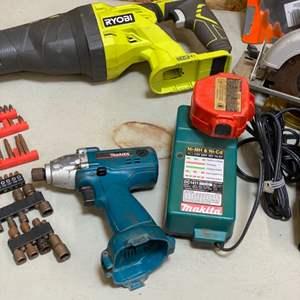 Lot # 190 - Battery operated handtools