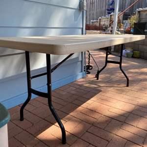 Lot # 214 - Folding table