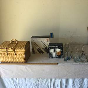 Lot # 18 - Picnic Basket/kitchen Cutlery/Glassware