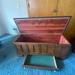 Lot # 70 - Mid century LANE Cedar chest… Absolutely beautiful