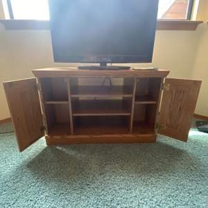 Lot # 74 - Seiki 32inch LCD TV and Wood TV Console