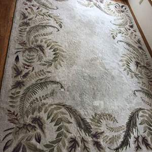Lot # 86 - Big area rug Approximately 7' x 10'