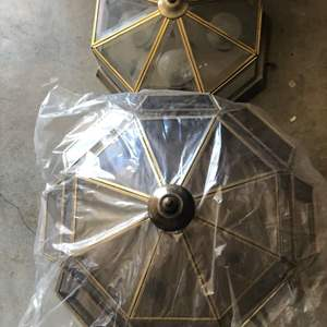 Lot # 122 - Ceiling mounted light fixtures