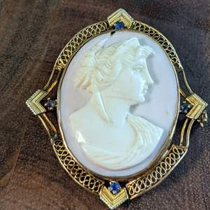 Lot # 88 - 14K Victorian Cameo Brooch with 4 Sapphires (7.79g total weight)