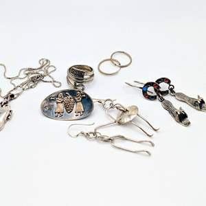 Lot # 92 - Assorted Artisan Silver Jewelry (29.76g)